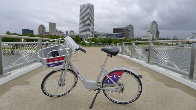 B-cycle in Milwaukee.  Image credit: https://overthebarsinmilwaukee.wordpress.com