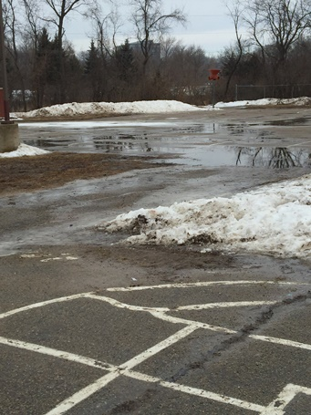 Thawing conditions at Leopold's schoolyard